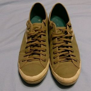 Size 9 men's Tretorn sneakers